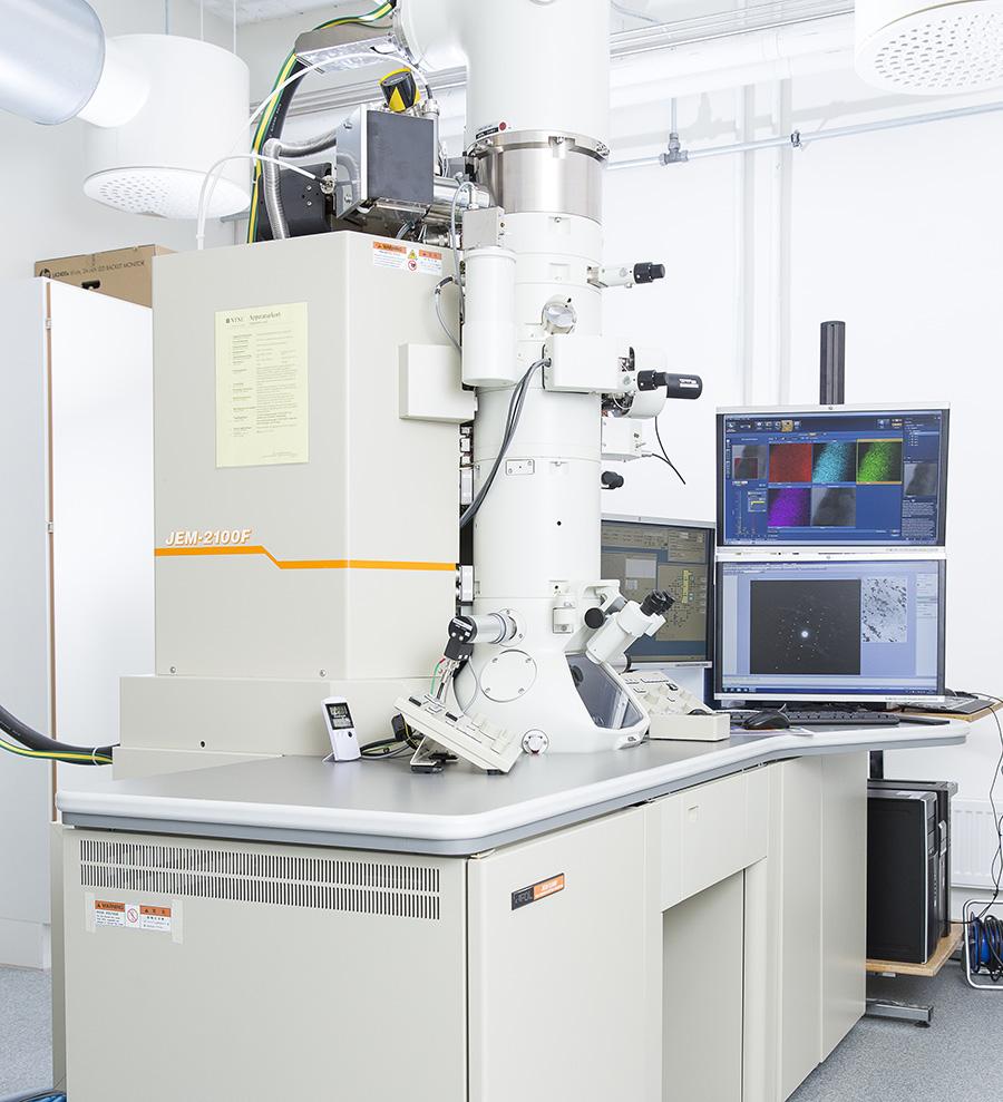 The JEOL 2100F microscope at NTNU